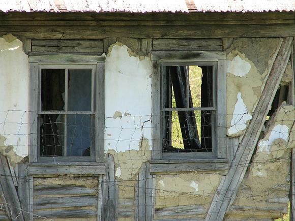 ВЧелябинской области сироту заселили ваварийной дом