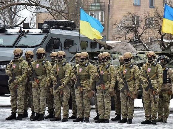 ВБахмуте народный депутат помешал милиции впроверке вооруженных людей