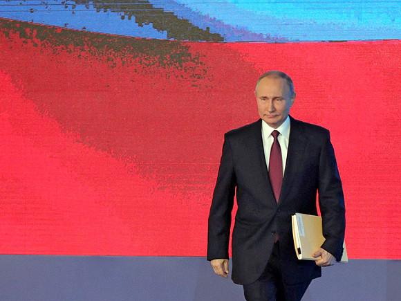 Путин предложил реформировать систему представления гражданстваРФ