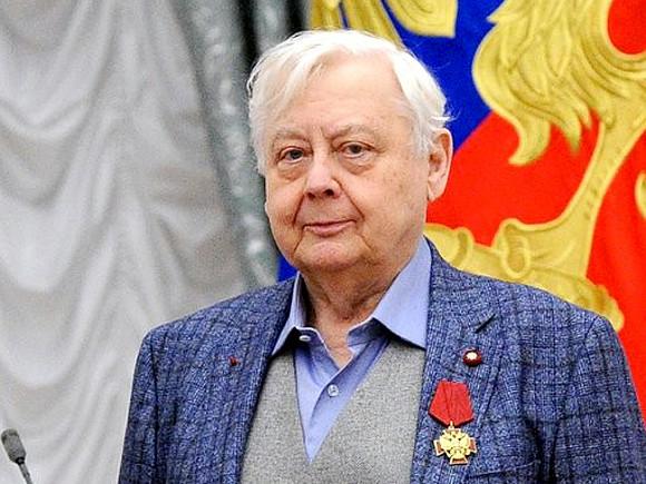 Окружение Олега Табакова шепчется обонкологическом заболевании уартиста