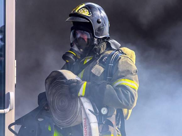 В пятиэтажке в Омске после хлопка газа начался пожар