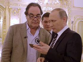 Что на самом деле Путин показал Стоуну на смартфоне