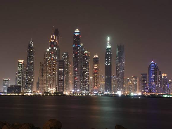 Вжилом небоскребе вДубае произошел пожар