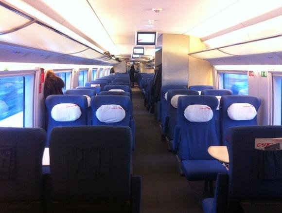 секс русской пары в купе пасажирского поезда все серии