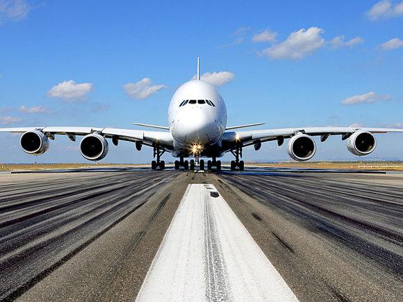 Летевший изСочи самолет совершил аварийную посадку вТель-Авиве