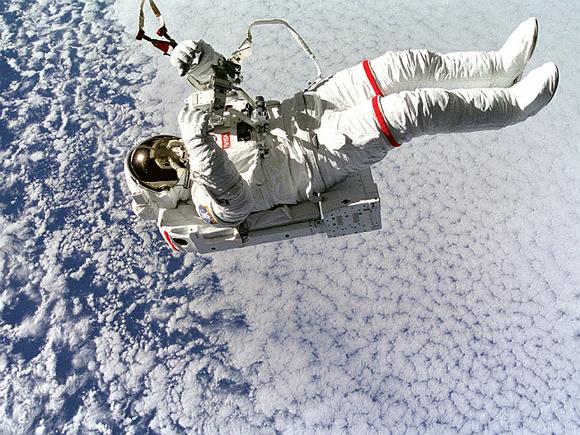 За три недели на МКС японский астронавт вырос на девять сантиметров