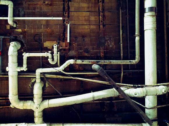 Специалисты компании «ТГК-1» не смогли отключить тепло в администрации Кировского района