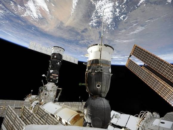 Российские космонавты сломали в открытом космосе камеру Go-Pro