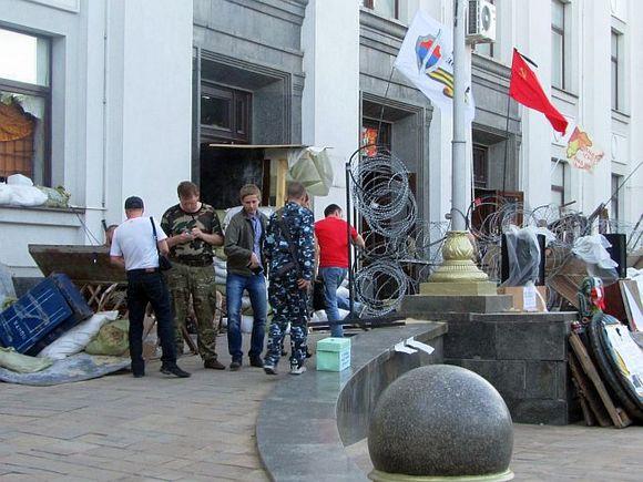 Власти ЛНР назвали взрывы вцентре Луганска терактами