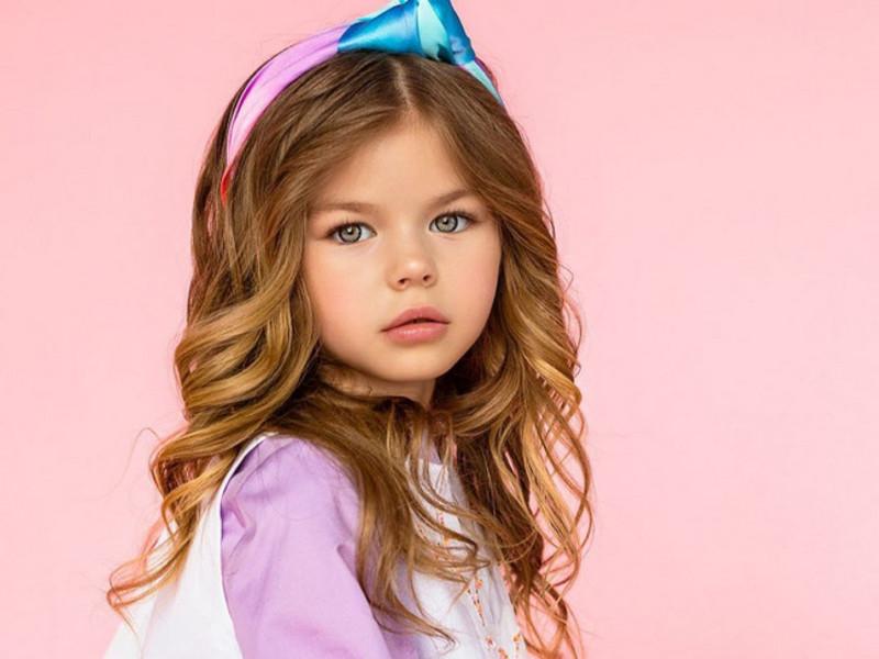 Самой красивой девочкой в мире признана 6-летняя москвичка (фото)
