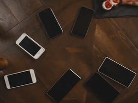 Стоп-кадр из фильма «Громкая связь»