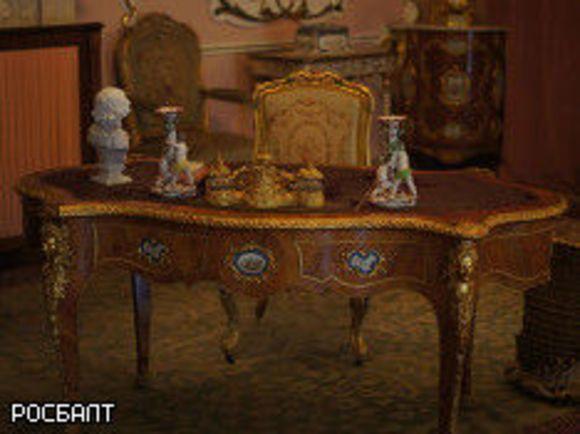 Иностранца вПетербурге арестовали законтрабанду антикварной мебели