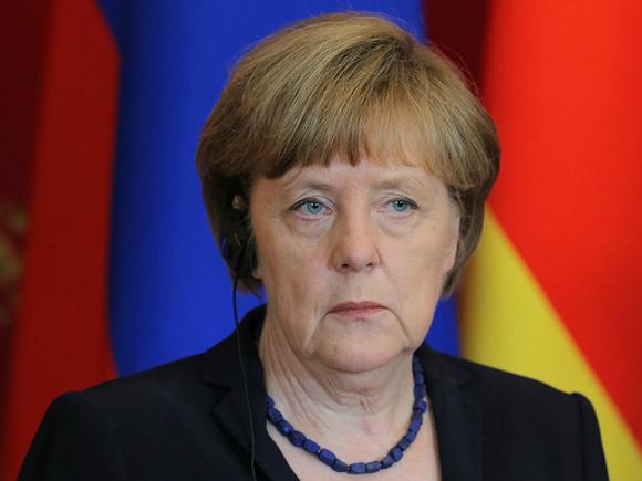 Меркель: Берлин работает над тем, чтобы турецкие беженцы не ехали в Германию