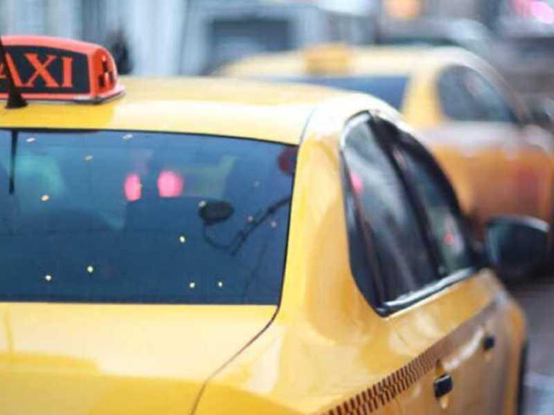 Таксисты Челябинска и Екатеринбурга объявили трехдневную забастовку