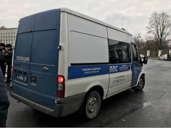 УСмольного задержали 11 человек— Правозащитники