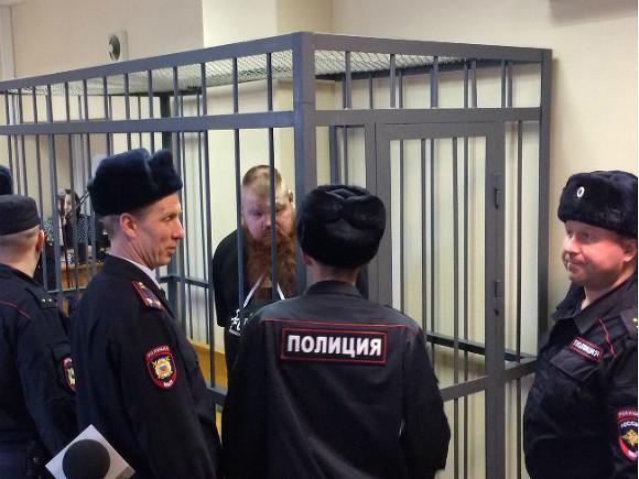 Рыжеватый  Тарзан осужден за погром в борделе