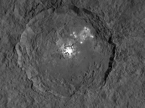 Ученые: На миниатюрной планете Церера есть вулканы