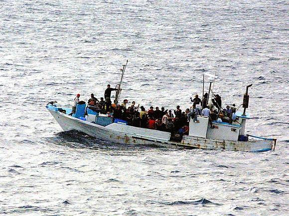У берегов Ливии спасли почти сотню беженцев, в том числе 25 детей