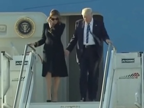 Мелания не дает Дональду Трампу брать себя за руку. Что происходит?