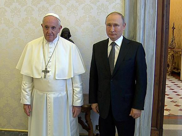 Картинки по запросу Встреча двух пап: Римского и Московского