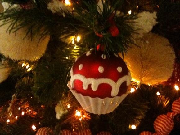 Мэр литовского города потребовал снять «коммунистическую» звезду срождественской елки