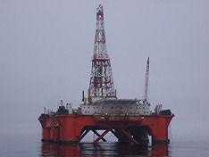 Источник: Правительство РФ готовится продавать экспортную нефть за рубли