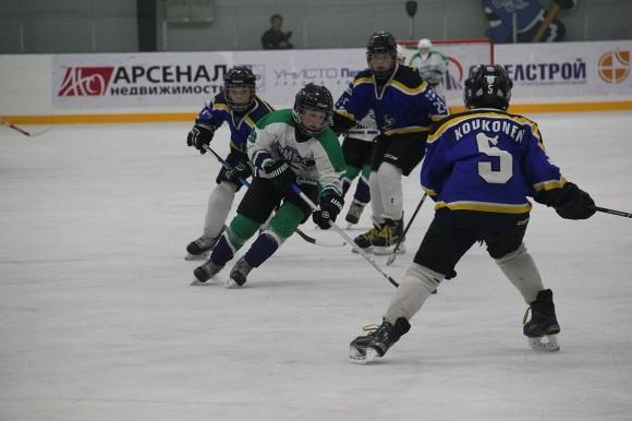 Маленькие хоккеисты изНовомосковска победили вмеждународном турнире