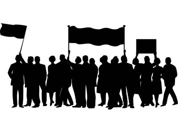 В Томске около полсотни горожан вышли на митинг против политических репрессий