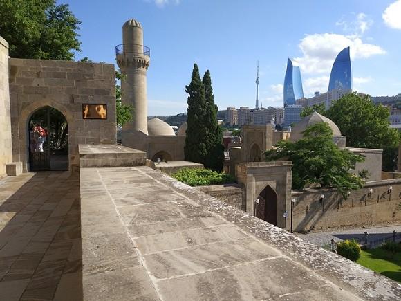 Кровавое обострение вКарабахе: Азербайджан объявил онепрекращающихся артобстрелах состороны Армении