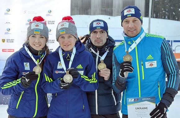 Русские биатлонисты выиграли смешанную эстафету начемпионате Европы