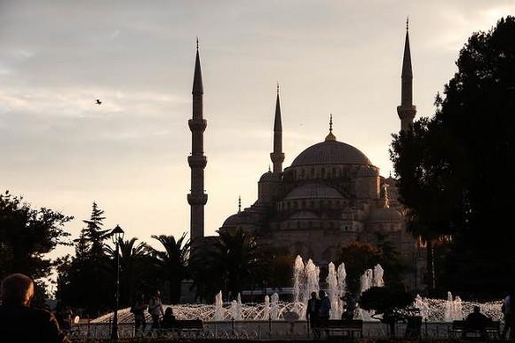Недовольные исходом референдума вышли наулицы Стамбула