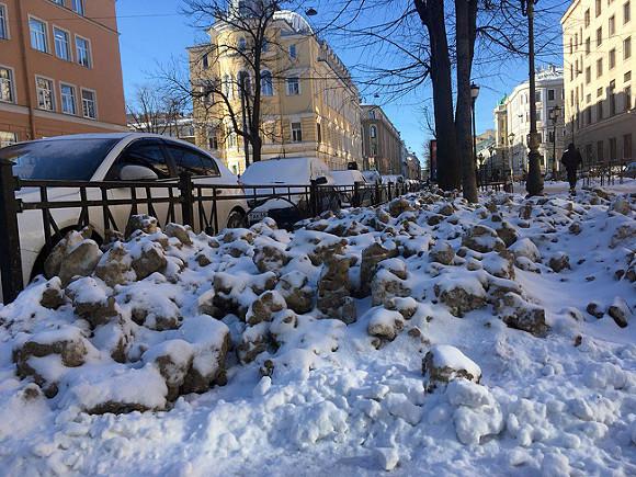 Машины для уборки снега с улицами