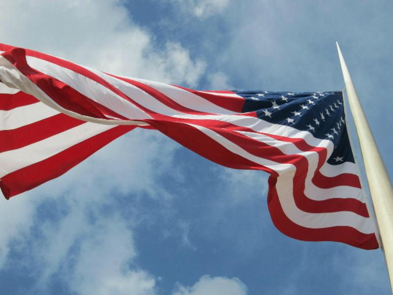 СМИ: Число россиян, желающих переехать в США, достигло максимума