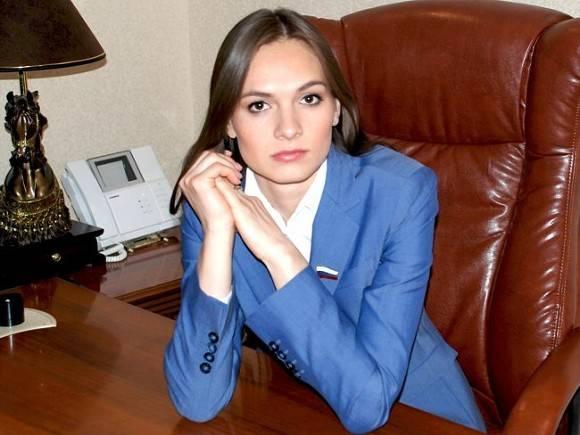 СКР закрыл дело обэкстремизме против курского депутата Ольги Ли