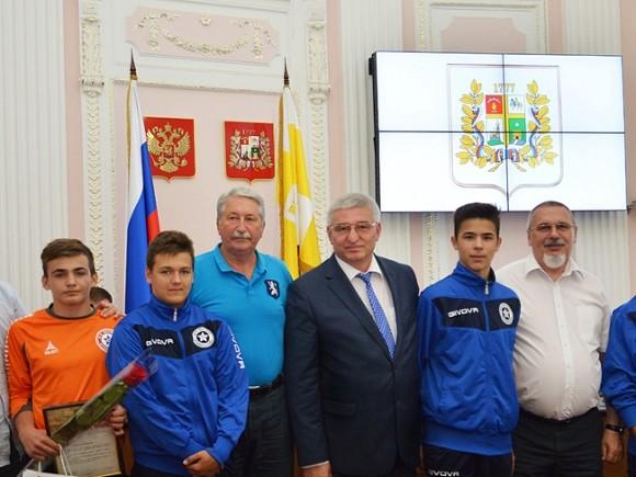 Подравшихся вНорвегии футболистов наградили Ставропольские власти