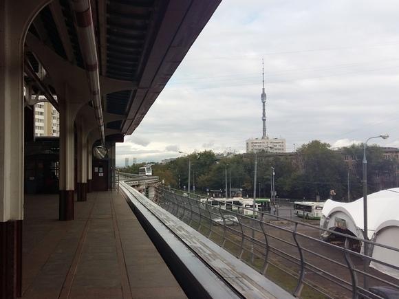 В столице движение поездов намонорельсе приостановлено потехническим причинам