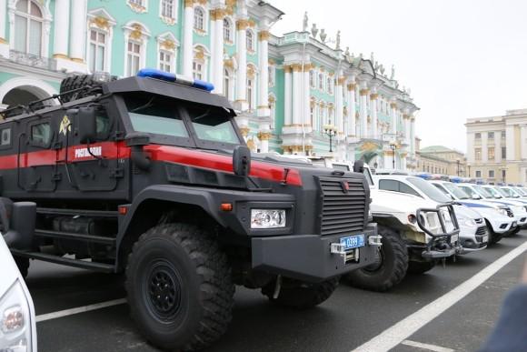Вцентре Петербурга прошел смотр Росгвардии
