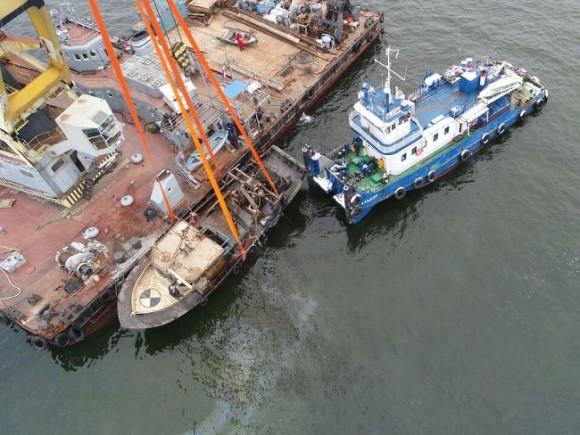 Затонувшее годом ранее рыболовецкое судно «Монни», подняли содна Финского залива