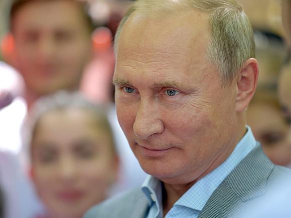 Пресс-служба Мариинки развеяла слухи о видеонаблюдении в туалетах театра перед визитом Путина