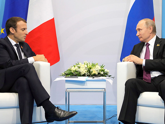 Онеобходимости разговора Европы и РФ объявил Макрон вЕСПЧ