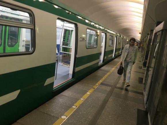 Петербуржские власти закупают 42 вагона метро для «зеленой» веточки