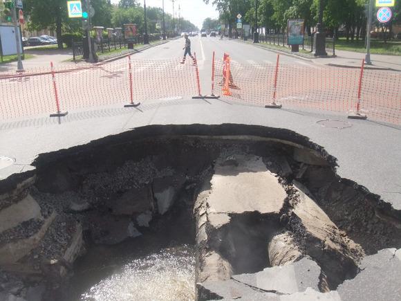 Воккупированном Крыму объявят чрезвычайную ситуацию из-за разрушенной оползнем дороги