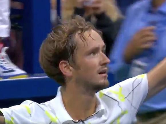 Даниил Медведев вышел в полуфинал St. Petersburg Open