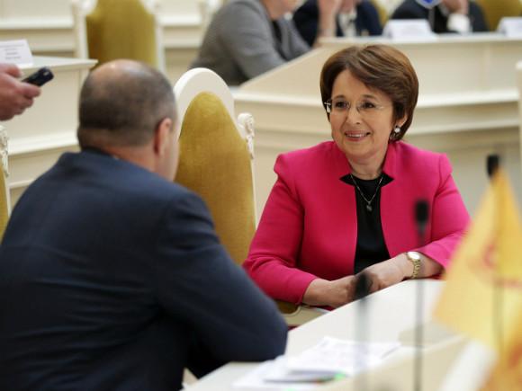 Парламентарии Петербурга разругались из-за проезда вметро