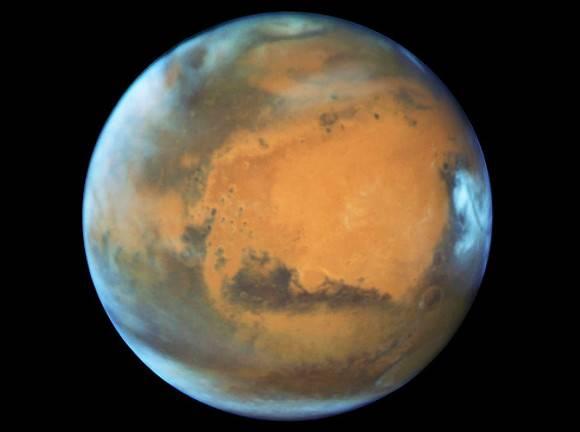 Уфологи нашли на Марсе гигантские башни