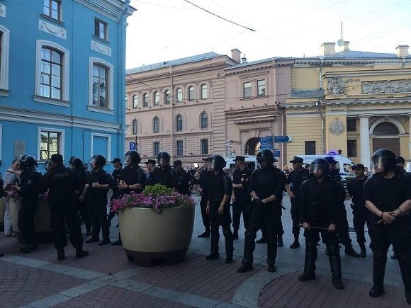 В северной столице задержано 14 участников несанкционированной акции против пенсионной реформы