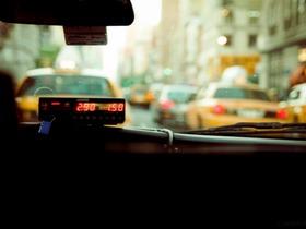 К июлю 2018 года все московские такси станут желтыми