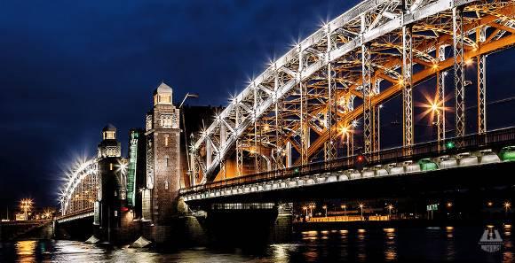 ВПетербурге вночь напятницу разведут Большеохтинский мост