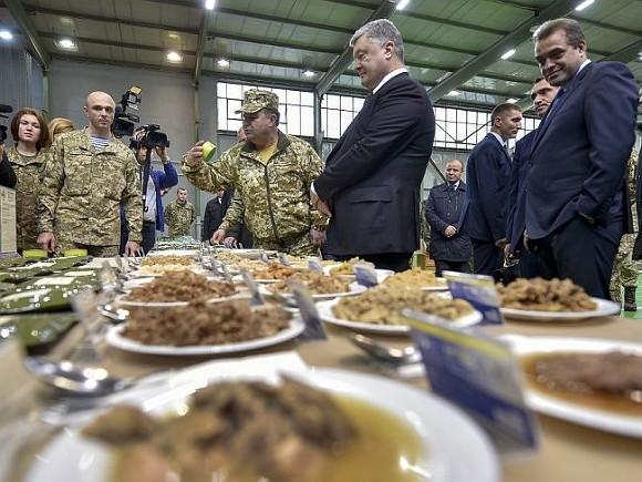 Первое блюдо всухпайке есть только уодной армии мира— Порошенко