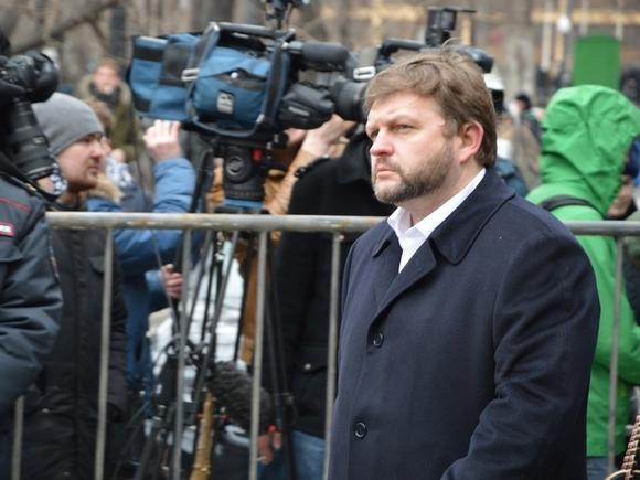 Следствие желает держать Никиту Белых под арестом доконца декабря